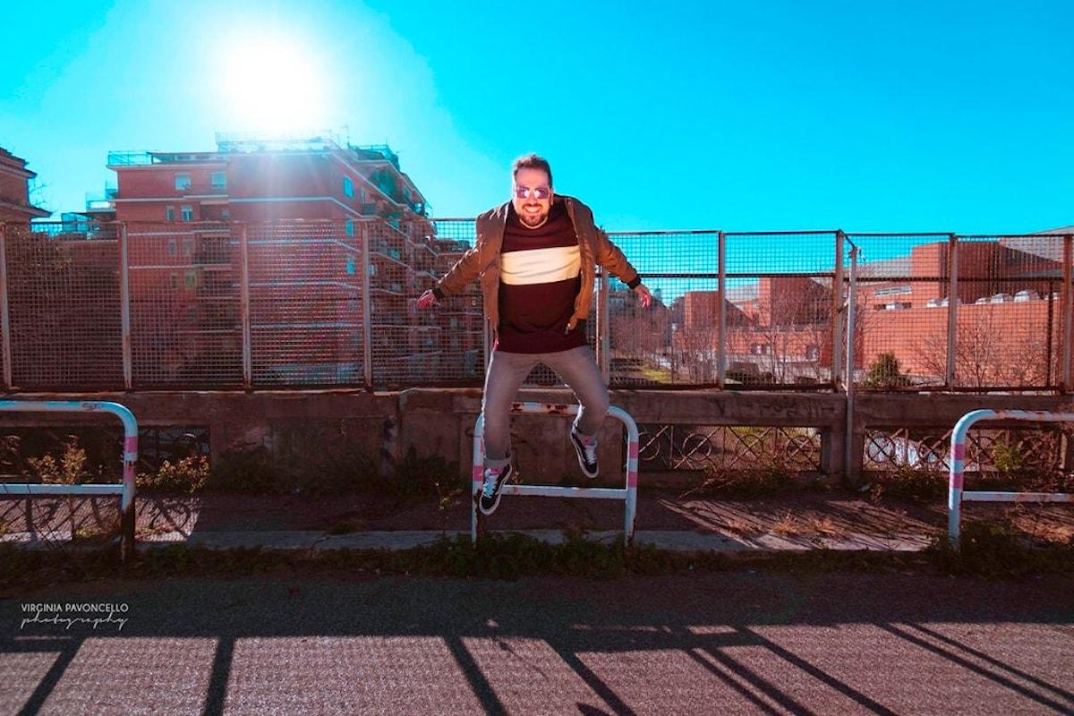 Napodano, Lucciole è il nuovo singolo tra pop e sonorità eighties