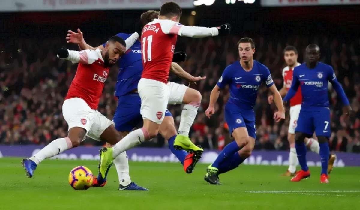 Il Chelsea ne prende due dall'Arsenal e il Sarri furioso (inc...ato) parlò in italiano