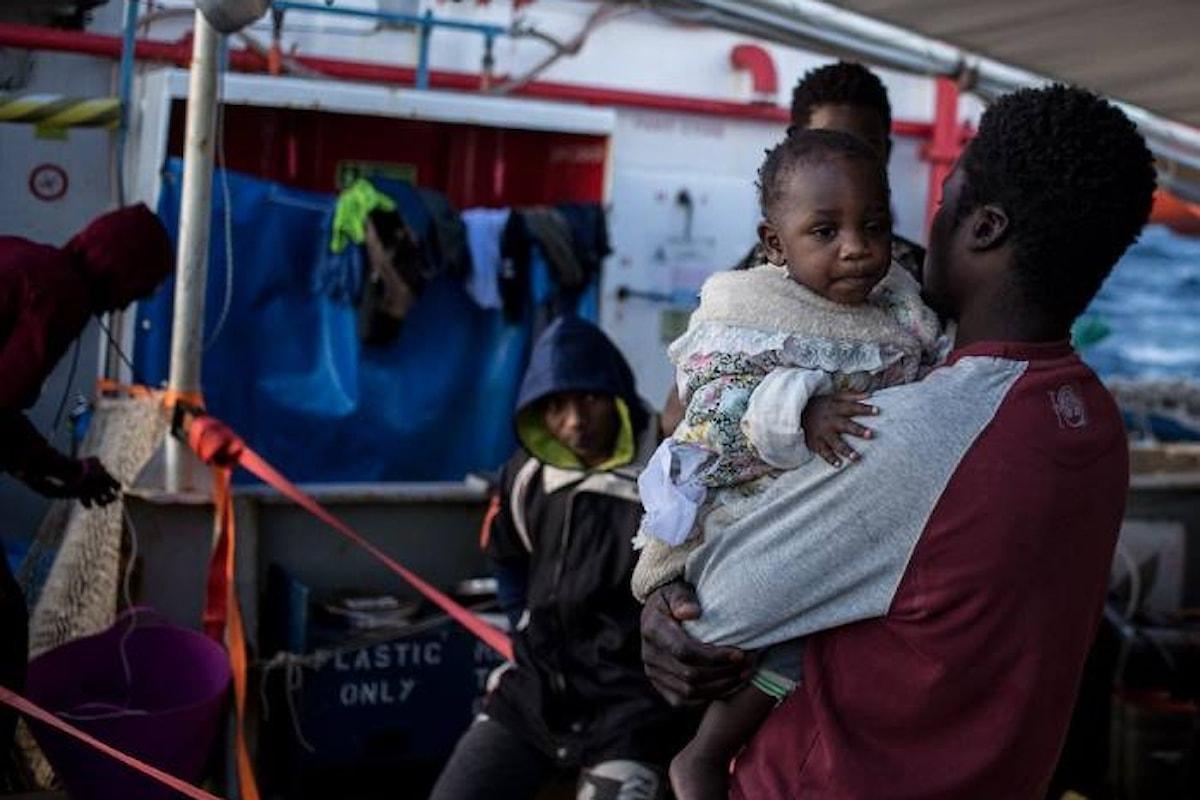 18 giorni in mare e ancora l'Europa nega un porto a 18 naufraghi. In compenso l'Italia promuove menzogne