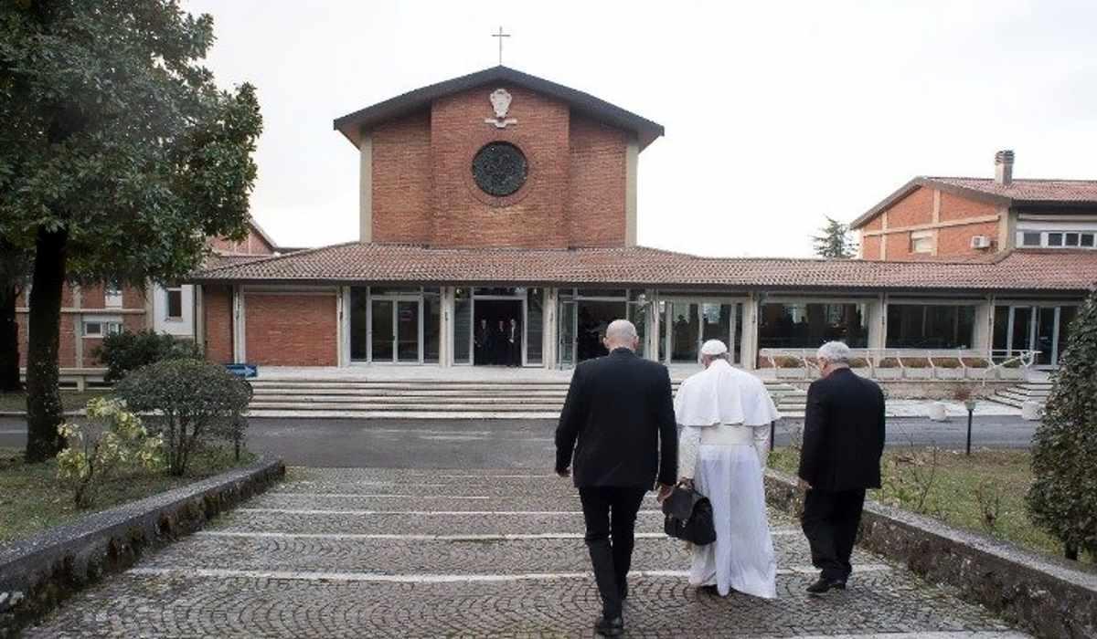 Il Papa ad Ariccia per gli esercizi spirituali con i cardinali e i vescovi della Curia Romana