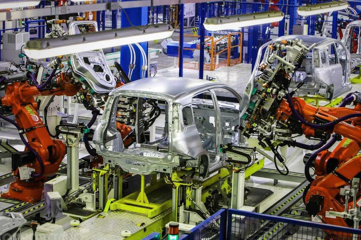 Istat, in leggera crescita la produzione industriale a febbraio 2019