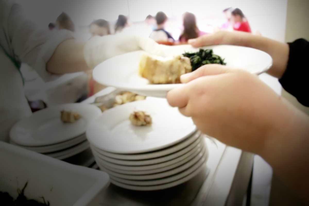 Di nuovo un Comune a guida leghista esclude dalla mensa una bambina straniera