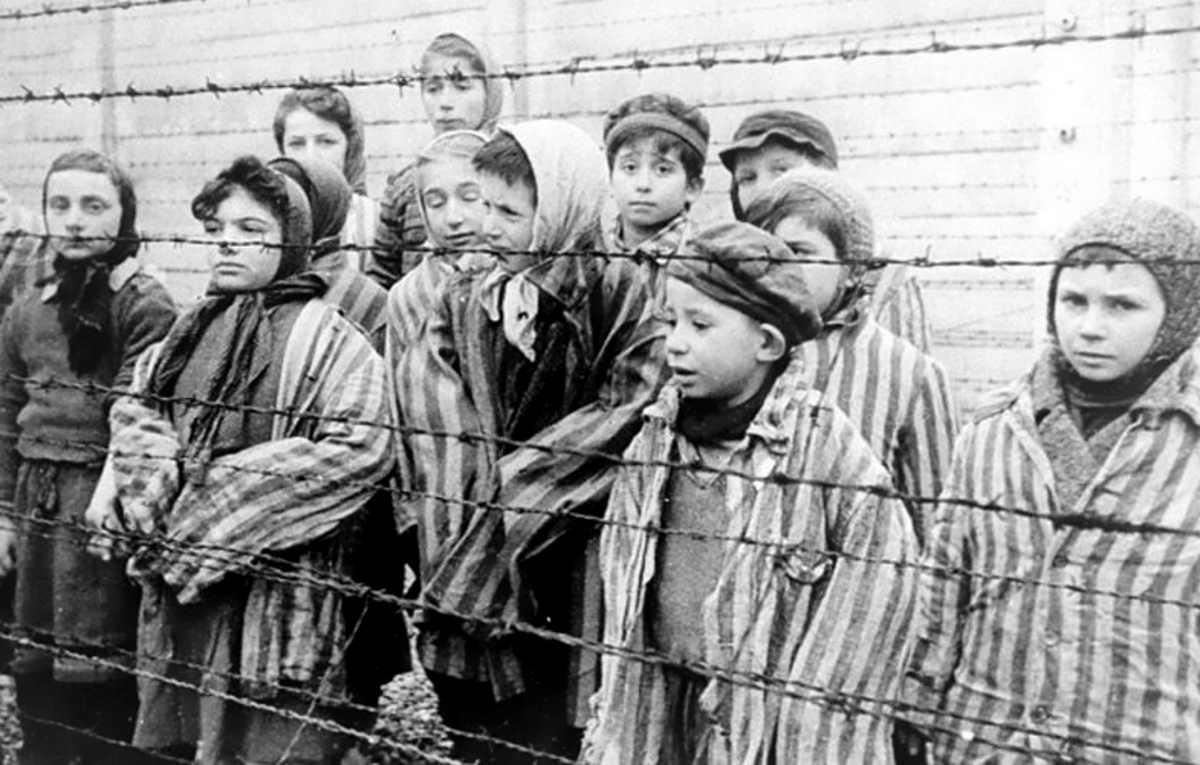 Sei ebreo? Non appena saremo grandi riapriremo Auschwitz e vi ficcheremo tutti nei forni