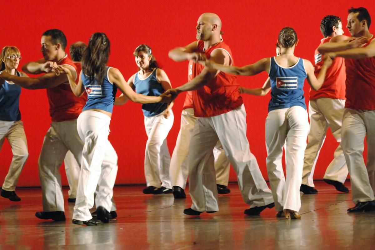 Salsa cubana, Bachata e Rueda de casino: un nuovo stile di vita!