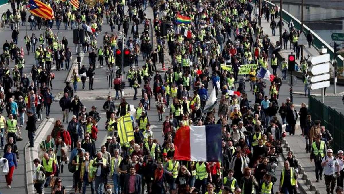 Riprende vigore la protesta dei gilet gialli sfruttando l'incendio di Notre-Dame