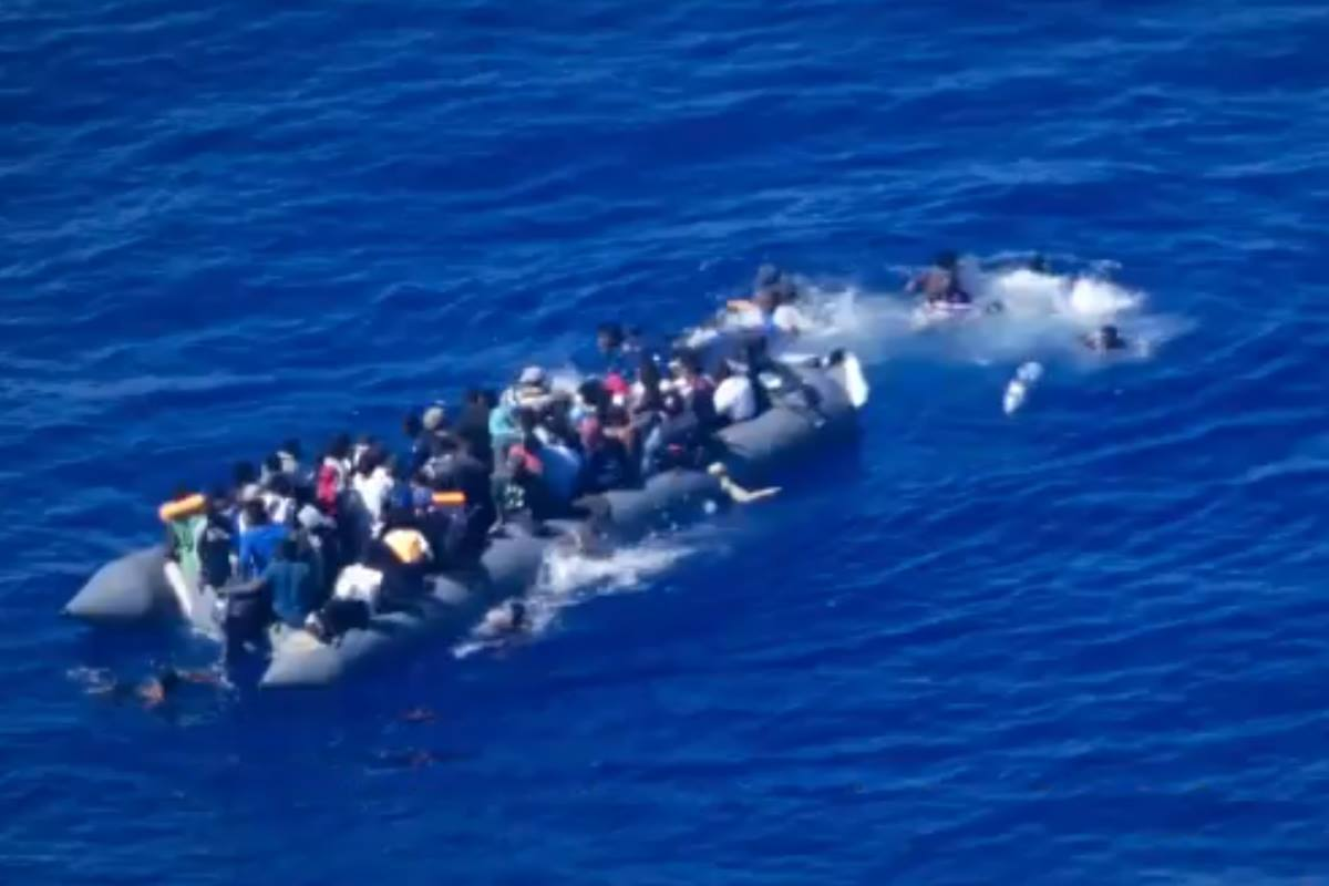 A Genova i naufraghi i naufraghi salvati dalla Cigala Fulgosi