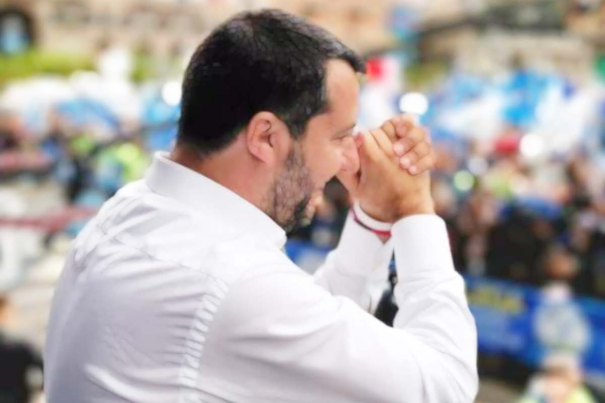 Salvini si autonomina premier di fatto e annuncia che convocherà le parti sociali per parlare di economia