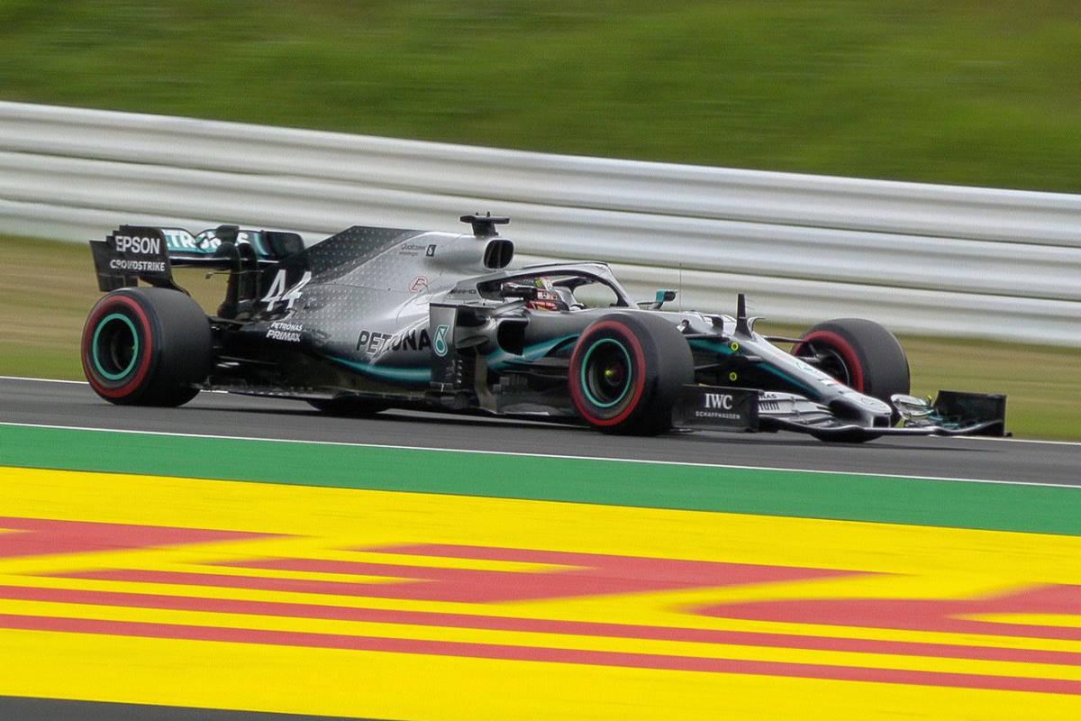 Formula 1, le Mercedes le più veloci sul circuito di Suzuka dove sabato non si correrà a causa del tifone Hagibis