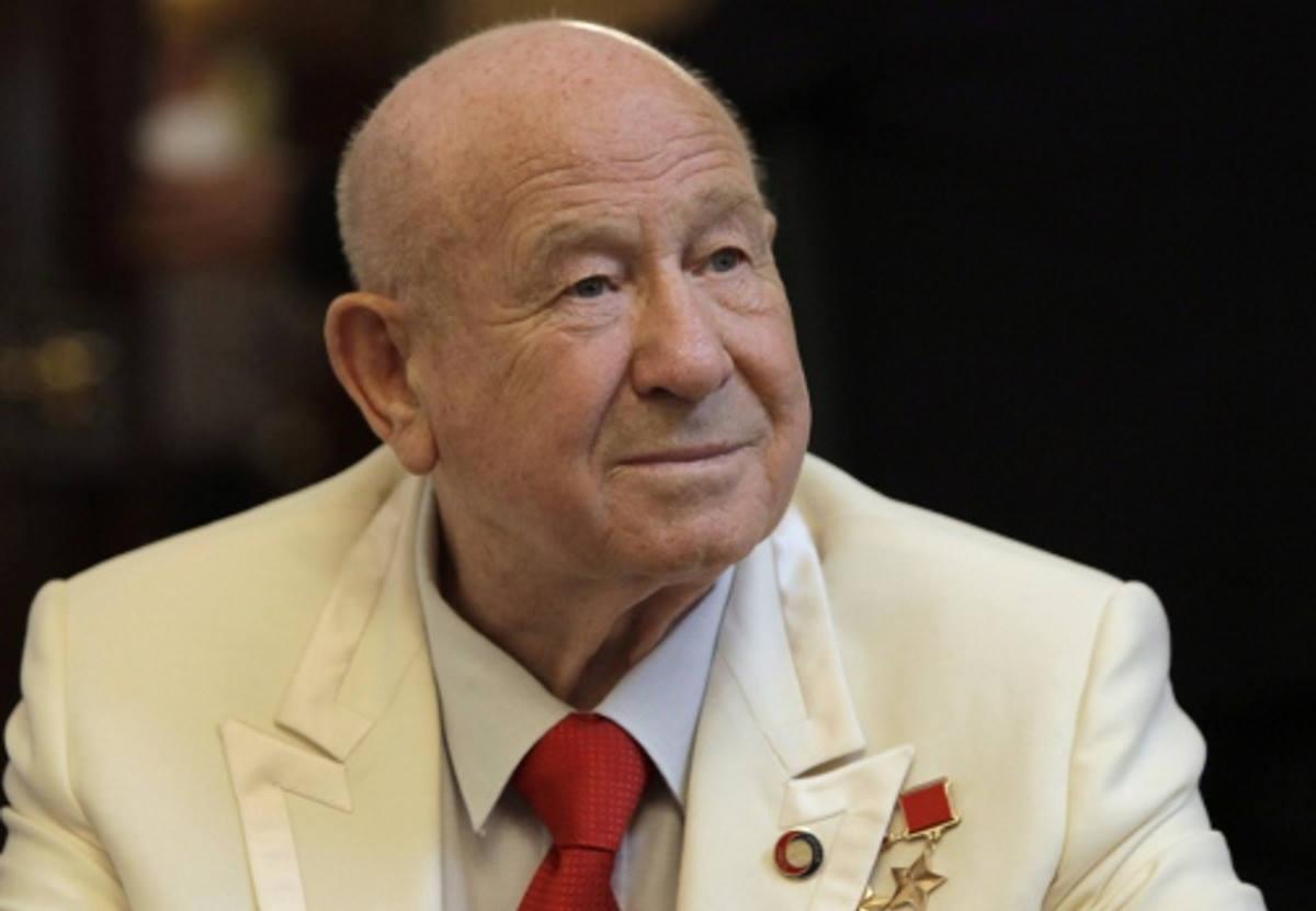 È morto a 85 anni Alexei Arkhipovich Leonov, primo uomo a camminare nello spazio