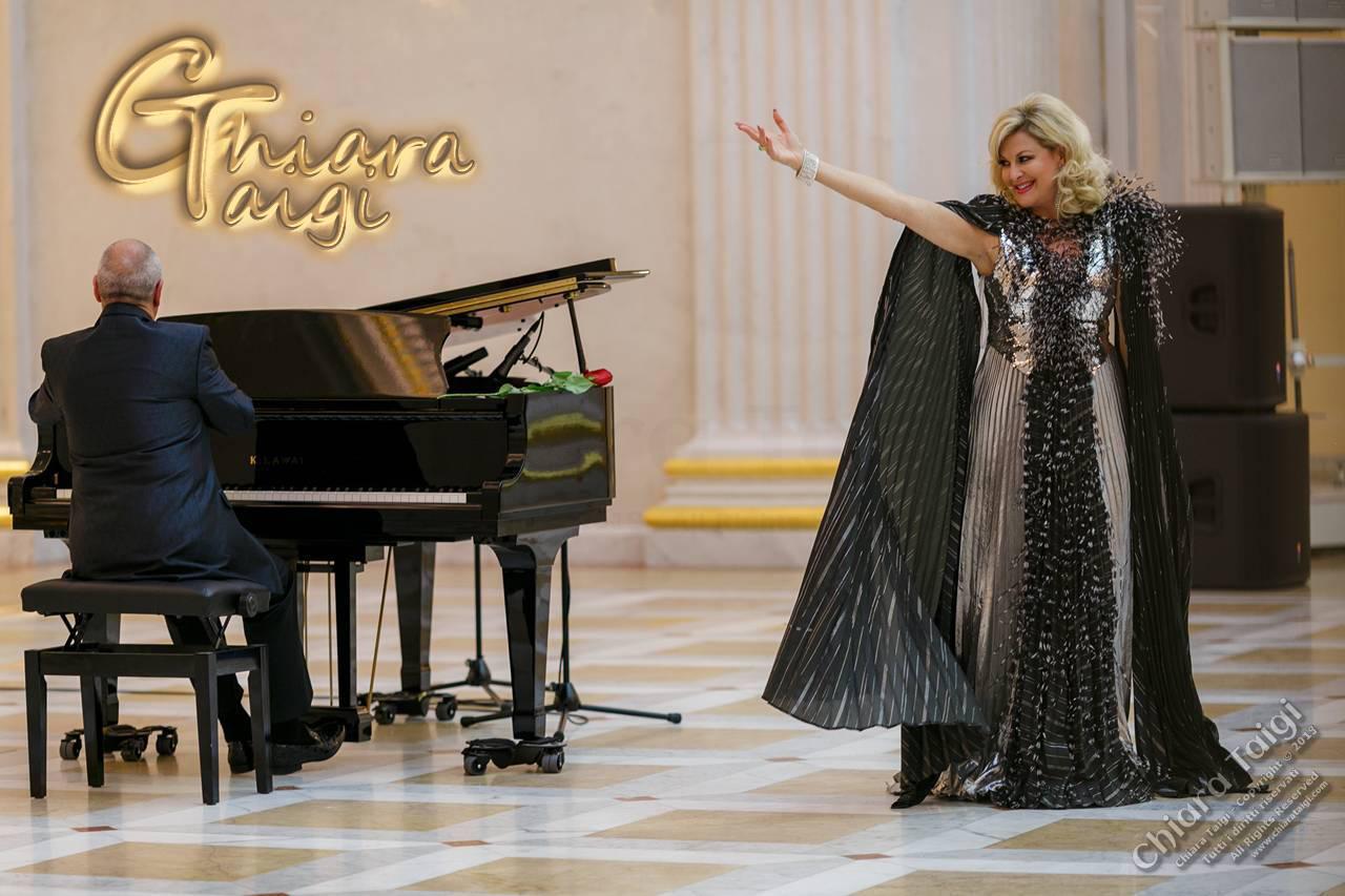 """CHIARA TAIGI, successo e ripetute standing ovation nel concerto """"Omaggio a Renata Tebaldi"""" a San Pietroburgo"""