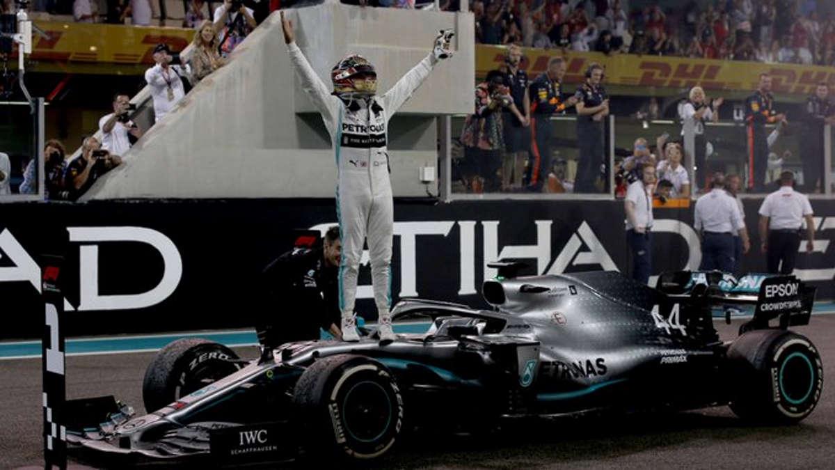 Formula 1, Hamilton trionfa ad Abu Dhabi e non smentisce un possibile passaggio alla Ferrari dal 2021