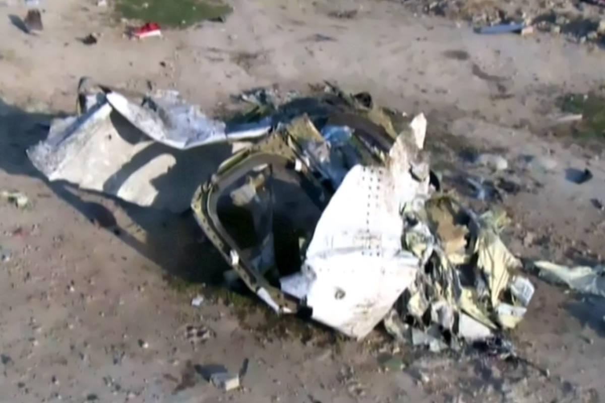 Cade un Boeing ucraino appena decollato da Teheran, 176 le vittime