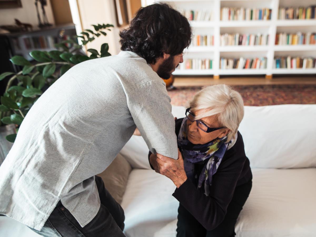 Cosa sono e come si attivano le cure domiciliari per i pazienti fragili in Italia