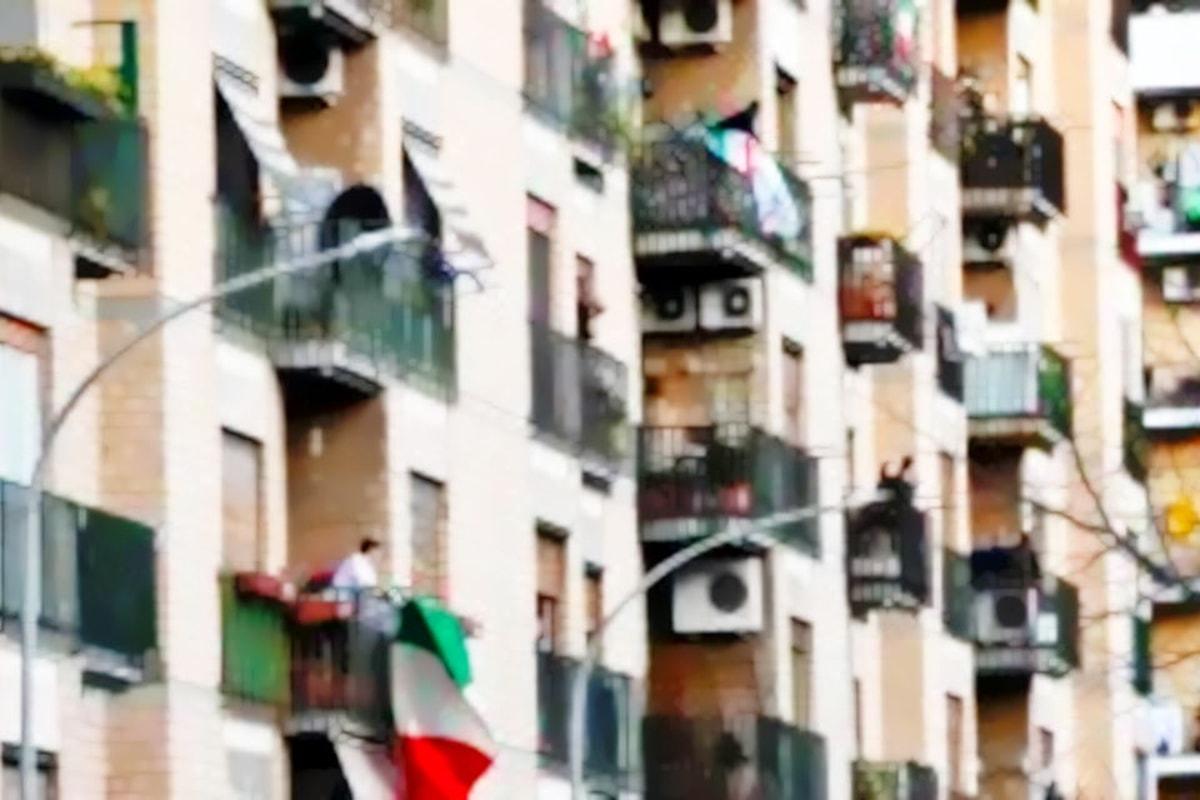 Strade vuote, terrazzi e balconi pieni vita: il coronavirus forse ci sta insegnando qualcosa
