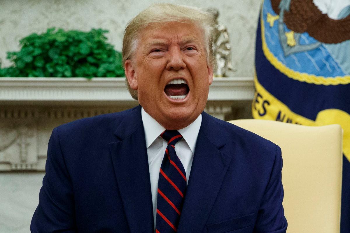 Trump sa di aver perso la guerra contro la Covid e per questo ha deciso di combatterne un'altra contro Venezuela ed Iran