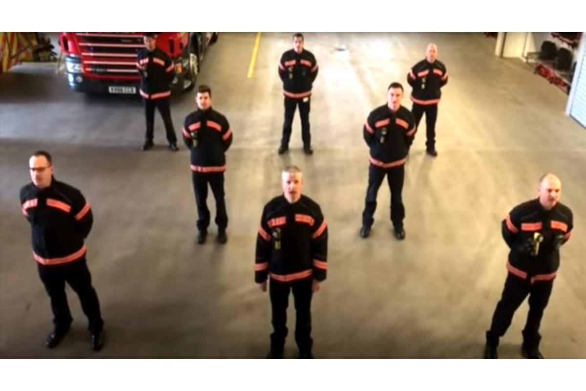 In occasione del 25 aprile i compagni del Fire Brigades Union (FBU) dedicano Bella Ciao ai loro colleghi italiani