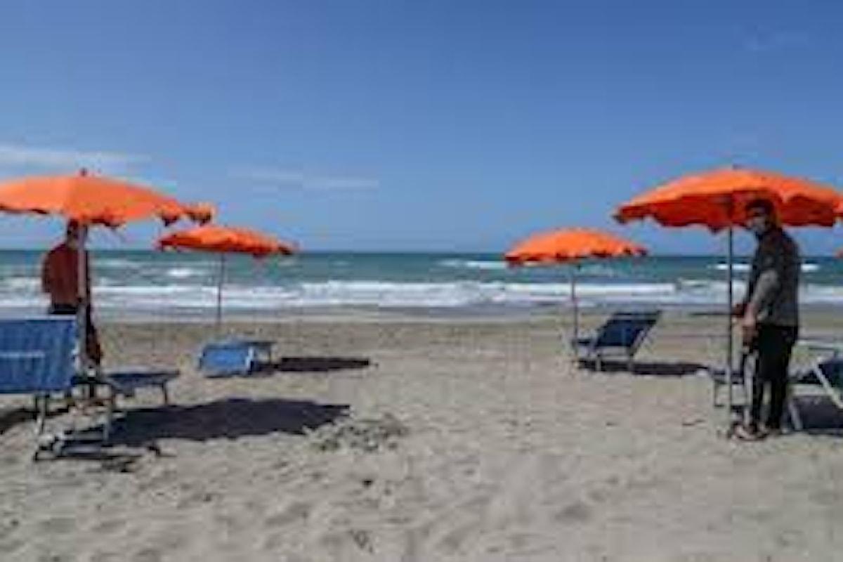 Ecco le norme per gestire spiagge e ristoranti nella fase due post covid-19