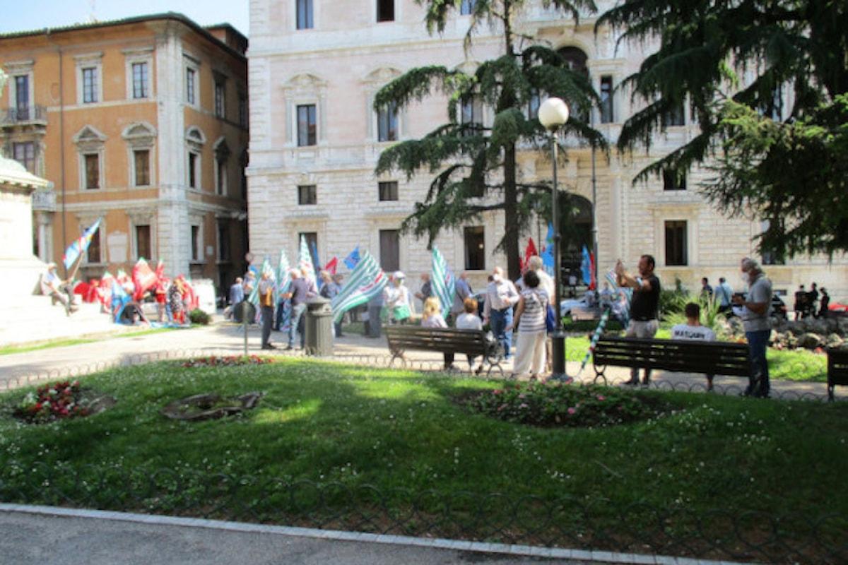 CGIL, CISL e UIL pensionati: MANIFESTAZIONE A PERUGIA IN PIAZZA D'ITALIA