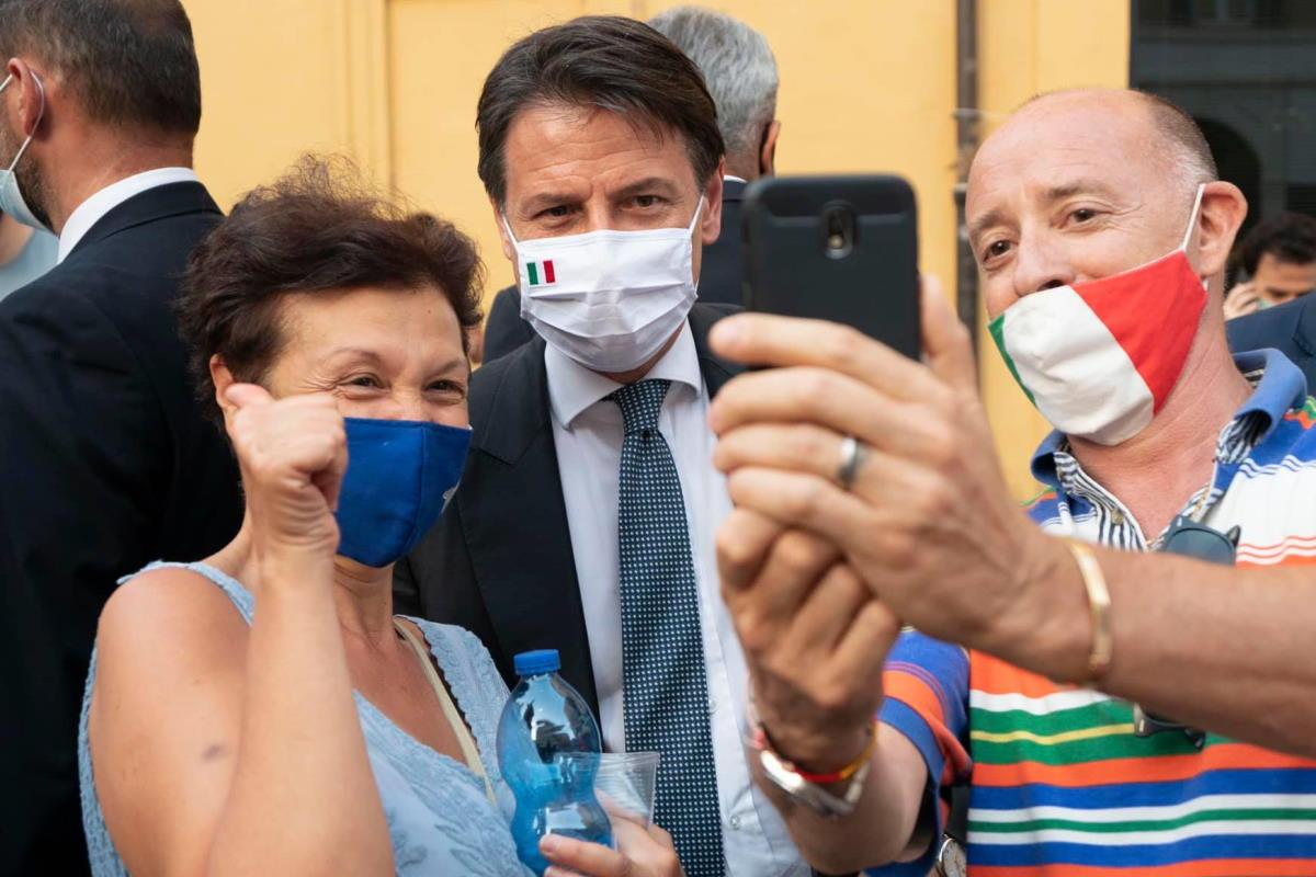 Conte: da Salvini atteggiamenti contro l'interesse nazionale per alimentare strumentalmente un clima di sfiducia