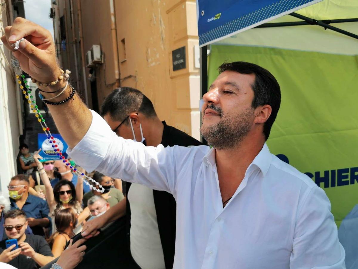 Aggressione: l'ipocrisia di Salvini e di coloro che fingono di non voler vedere chi sia Salvini e che cosa rappresenti