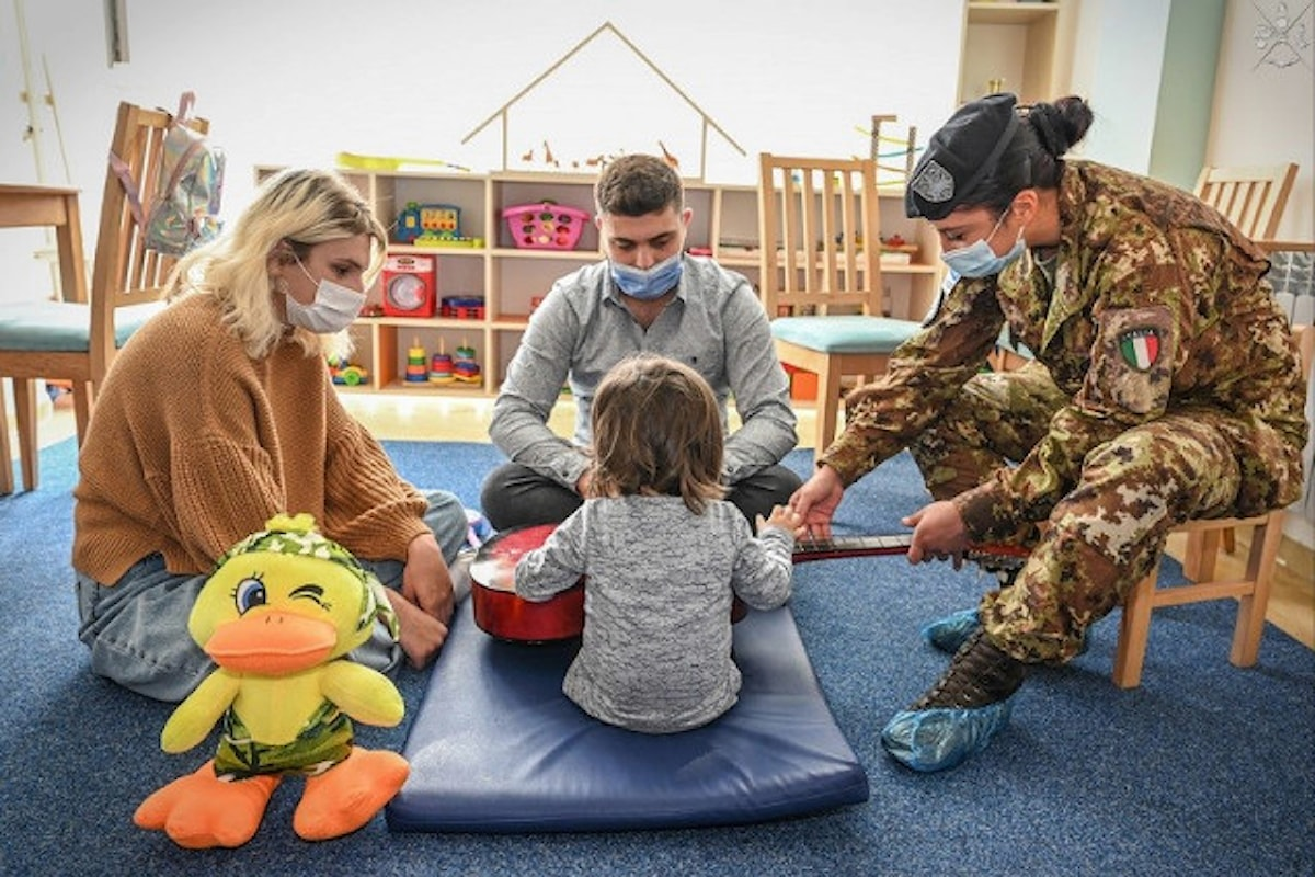 Kosovo:i militari italiani della missione NATO KFOR assistono i bambini autistici