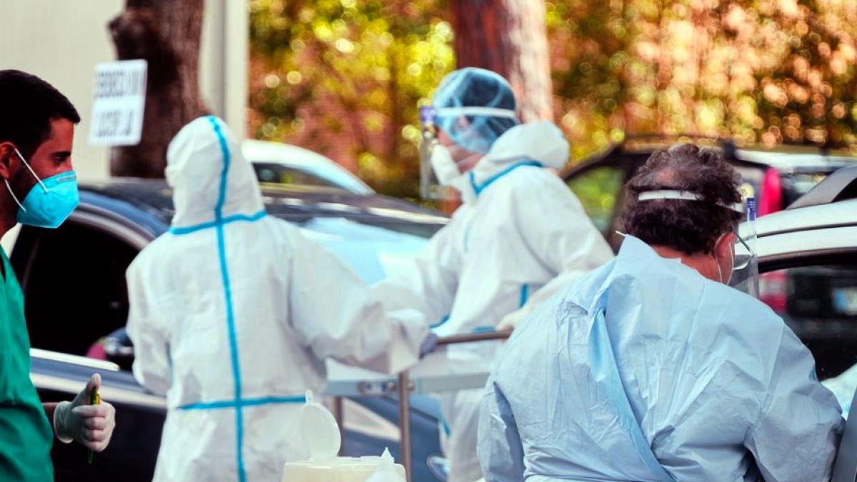 Covid al 1 settembre: diminuiscono i nuovi casi ma anche i guariti, con i ricoverati in terapia intensiva che superano quota 100