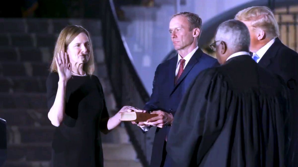 L'elezione di Amy Coney Barrett alla Corte Suprema diventa uno spot per la campagna elettorale di Trump