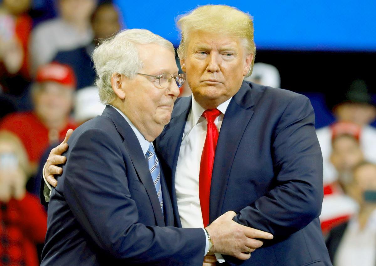 Trump non si arrende alla sconfitta e il partito repubblicano (per il momento) lo appoggia