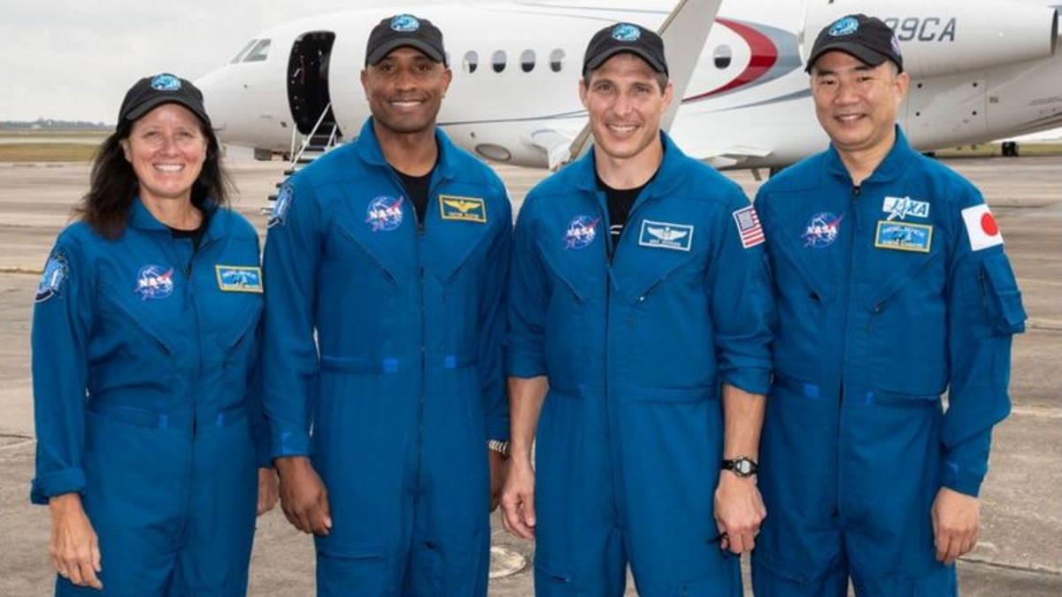 La diretta del lancio della missione Crew-1 di SpaceX