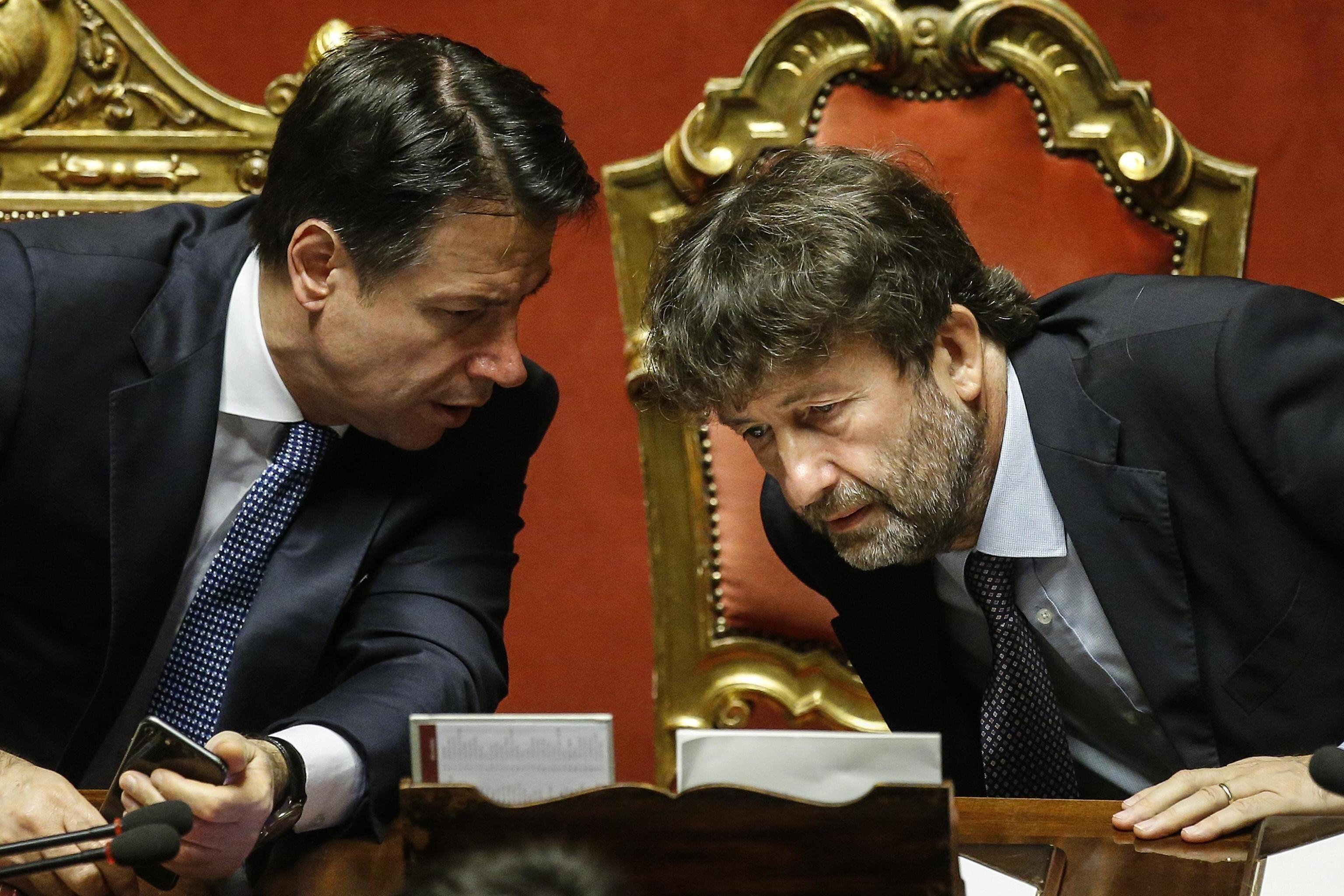 Governo: Conte pronto a una nuova sfida in aula con Renzi