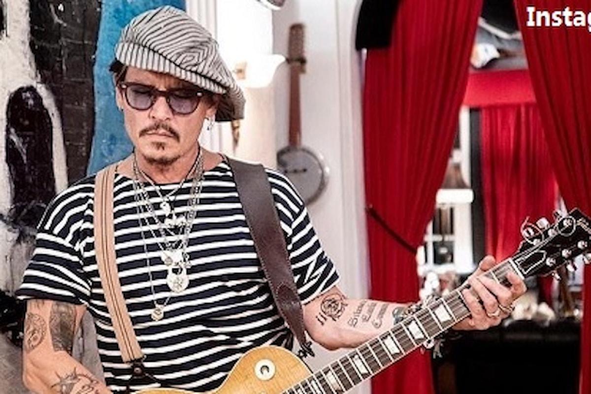 Johnny Depp: lo strano post di Buon Anno su Instagram (FOTO)