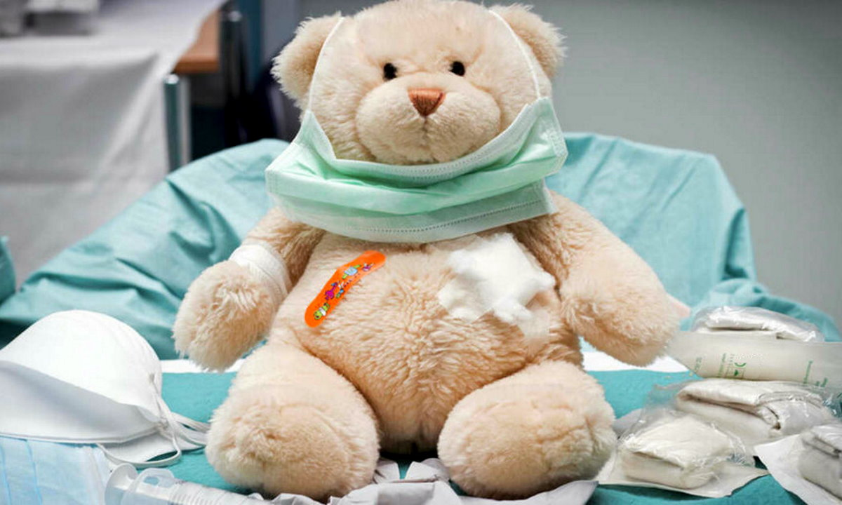 """Como. Teddy Bear ai tempi del Covid: la """"clinica rotaract Como"""" aiuta i bambini a superare la paura dell'ospedale"""