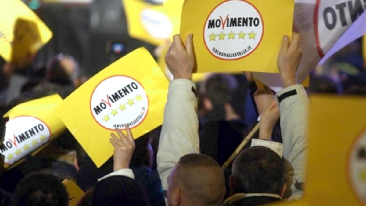 Lanciata una petizione per chiedere un voto non vincolato per i parlamentari 5 Stelle sulla fiducia a Draghi