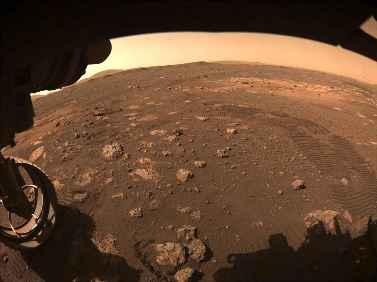 Perseverance della Nasa ha percorso i primi metri sulla superficie di Marte
