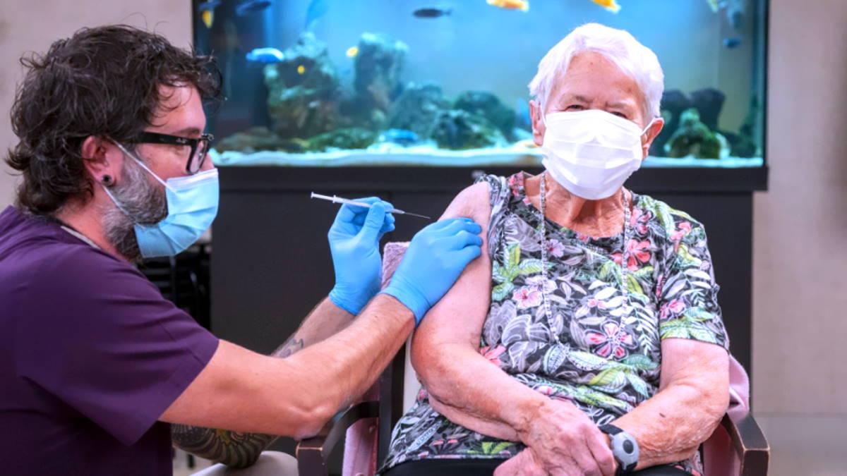 Anche odontoiatri, medici specialisti ambulatoriali e specializzandi parteciperanno alla campagna vaccinale