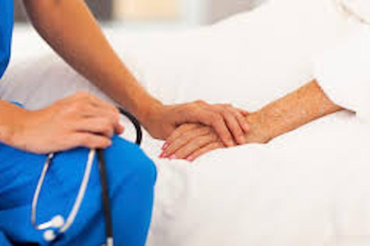 Le cure palliative e quindi la terapia del dolore, sono un investimento al quale il Sistema Sanitario Nazionale non può più sottrarsi. Molti ammalati devono essere assistiti tra le mura domestiche
