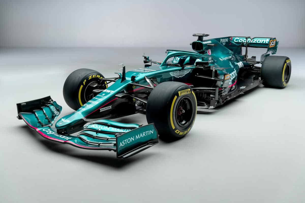 F1 presentata la Aston Martin AMR21, Vettel: Sono qui per vincere