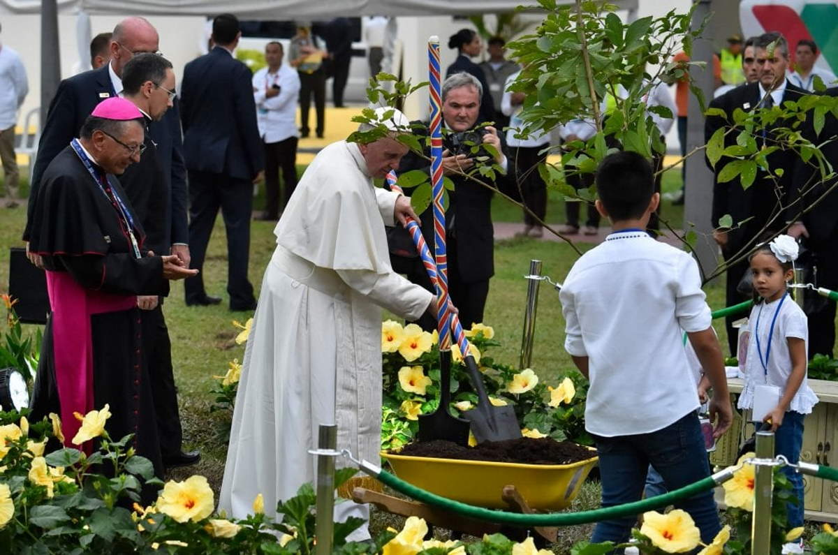 Anche la Chiesa italiana spinge verso una conversione ecologica.