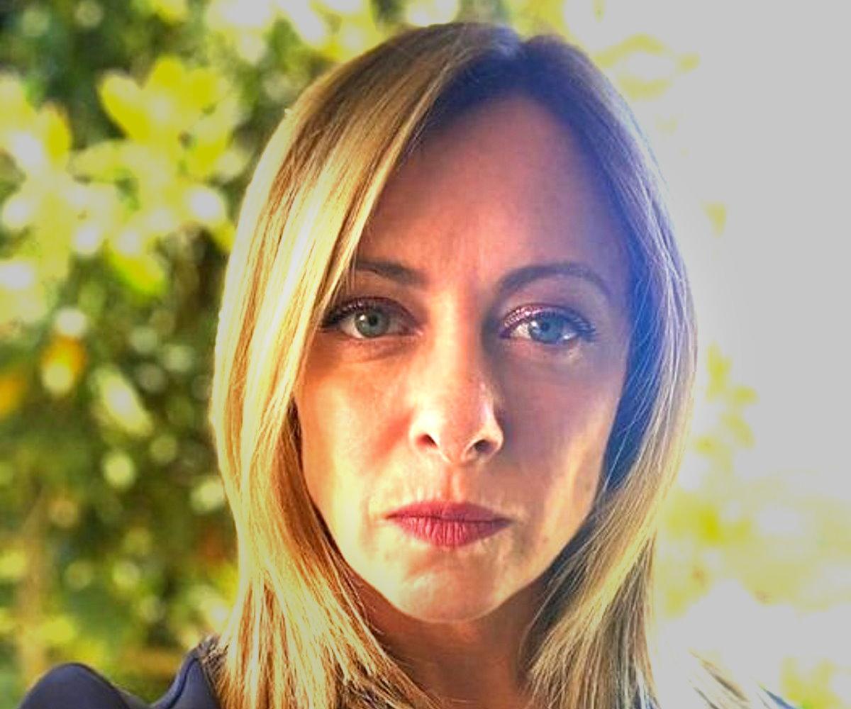 Il tour editorial politico di Giorgia Meloni nascondeva una tappa a sua insaputa in una scuola di Messina