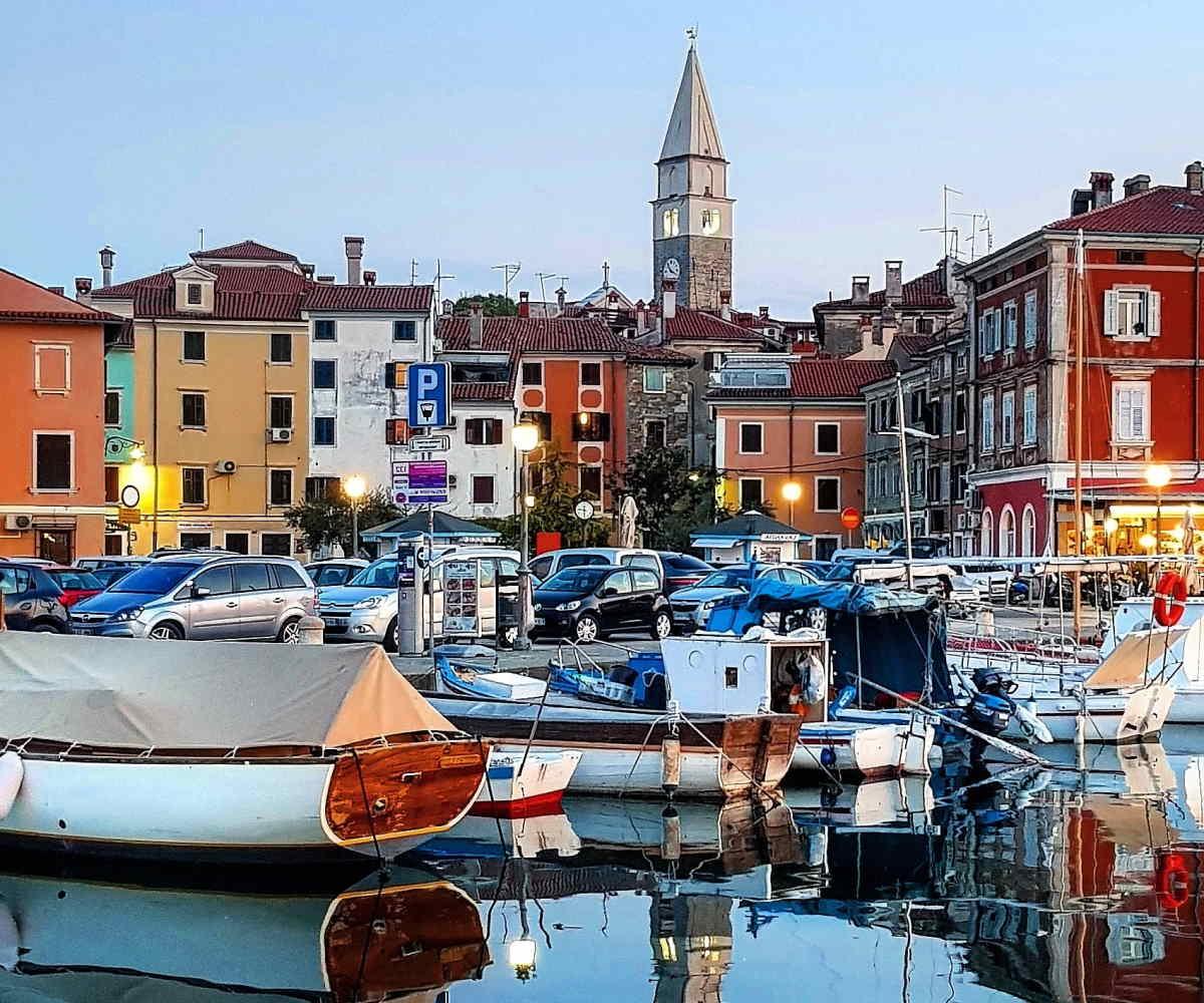 Isola d'Istria, un borgo di mare nel litorale in Slovenia