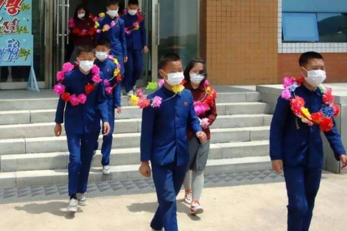 In Corea del Nord i bambini si offrono di lavorare in fattorie, fabbriche e miniere... volontariamente