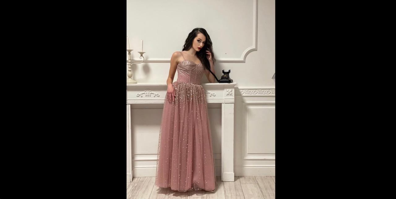 Valentina Corvino Special Guest di Francois Fashion Festival, dal 16 al 18 luglio 2021, in Campania