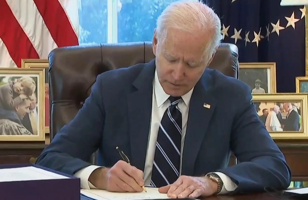 Biden chiederà aiuto alle linee aeree americane per completare il ritiro dall'Afghanistan
