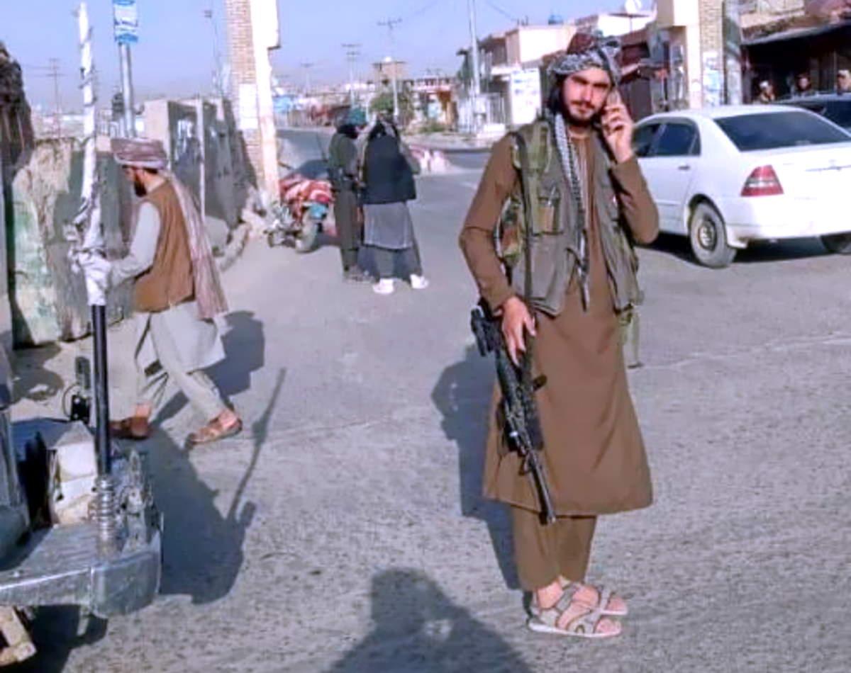Con Ghazni sono arrivati a dieci i capoluoghi di provincia afgani in mano ai talebani