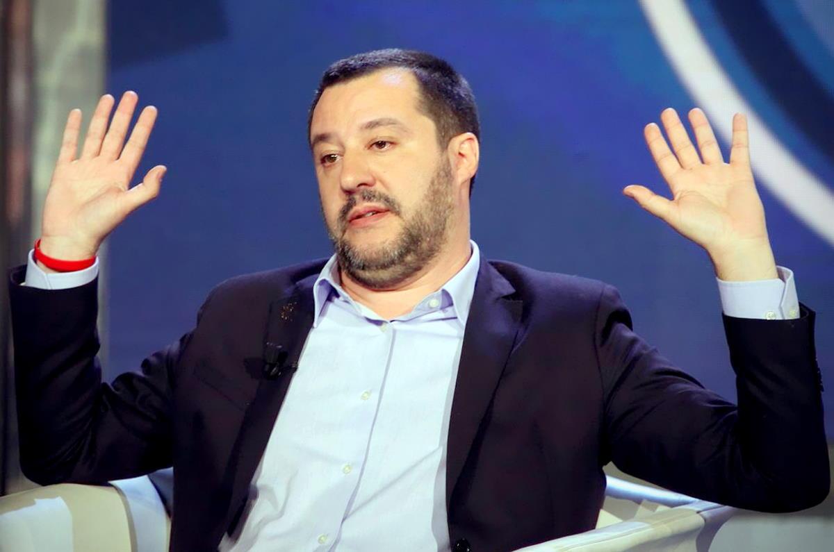 Matteo Salvini asfaltato da Draghi e dagli alleati di governo sul Green Pass
