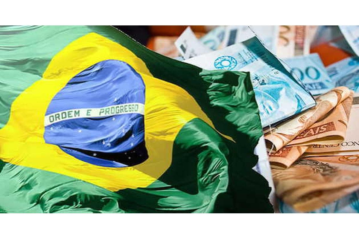 Valute, il Real aggiorna i minimi storici contro l'USD