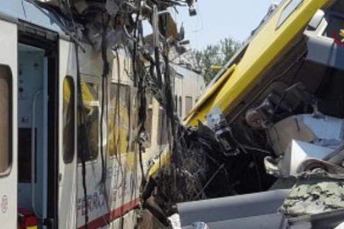 Disastro ferroviario in Puglia. Si cercano ancora persone disperse