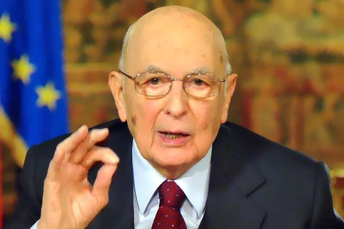In un'intervista a la Repubblica, Napolitano appoggia il referendum ed invita a modificare l'Italicum