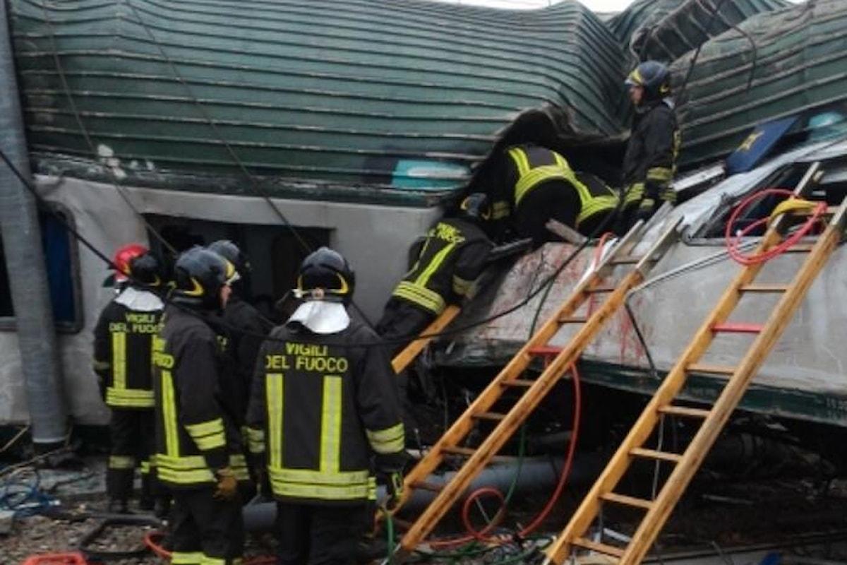 Tre morti e 5 feriti gravi il bilancio del deragliamento di un treno nella stazione di Pioltello