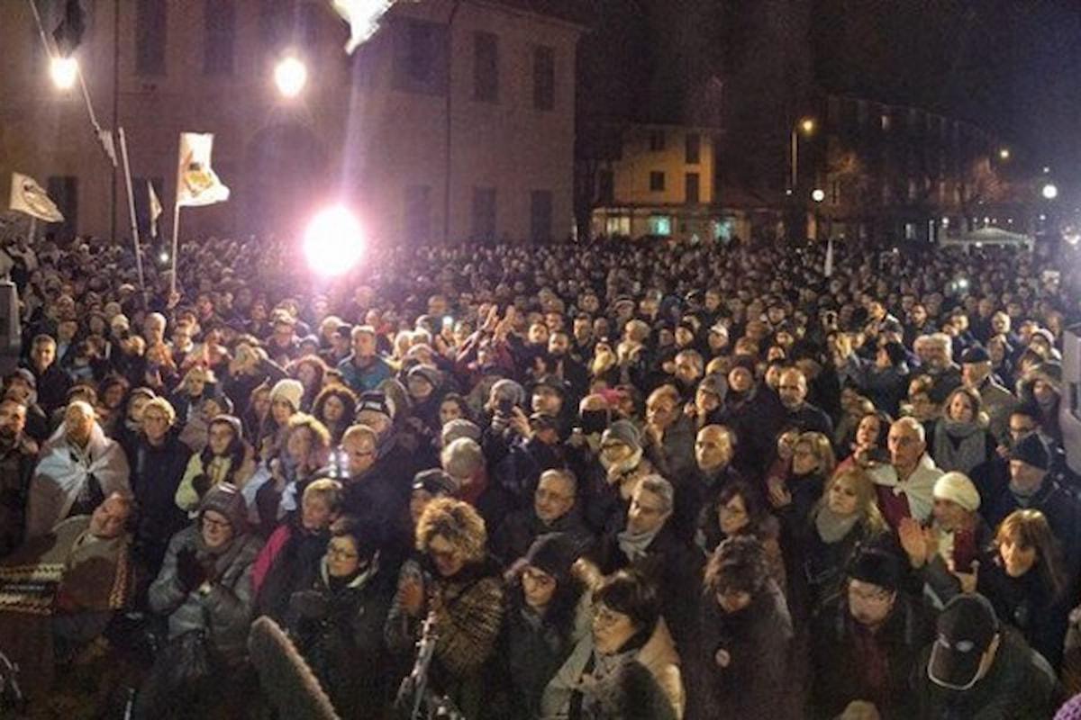 Alessandro Di Battista in piazza ad Arcore ricorda agli italiani (e al Partito di Renzi) i rapporti tra Berlusconi e la Mafia